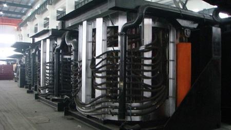 Среднечастотная индукционная печь ля плавки чёрных и цветных металлов.