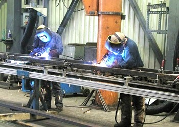 Сборка облегчённых металлоконструкций.