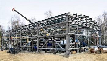 Строительство здания из металлоконструкций.