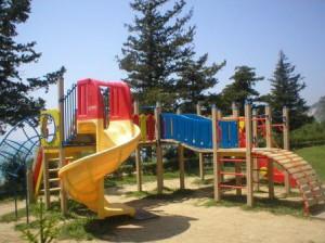 Детская площадка из металлоконструкций