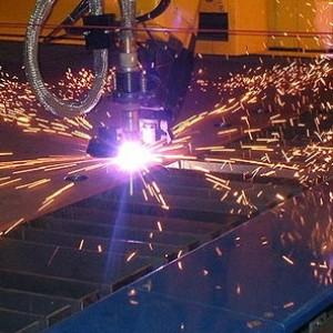 Процесс лазерной обработки металла.