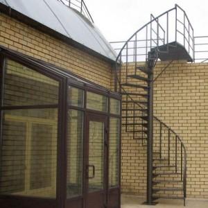 Лестница из металлоконструкций