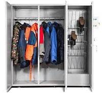 Шкаф для одежды на даче.